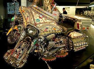 Harley_museum_rhinestone_0708_430