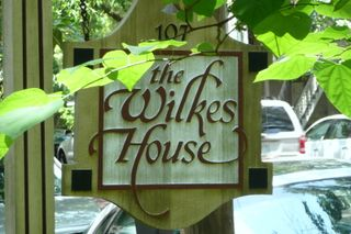 road tips: mrs. wilkes dining room - savannah, ga