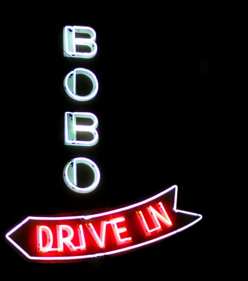 Bobo sign