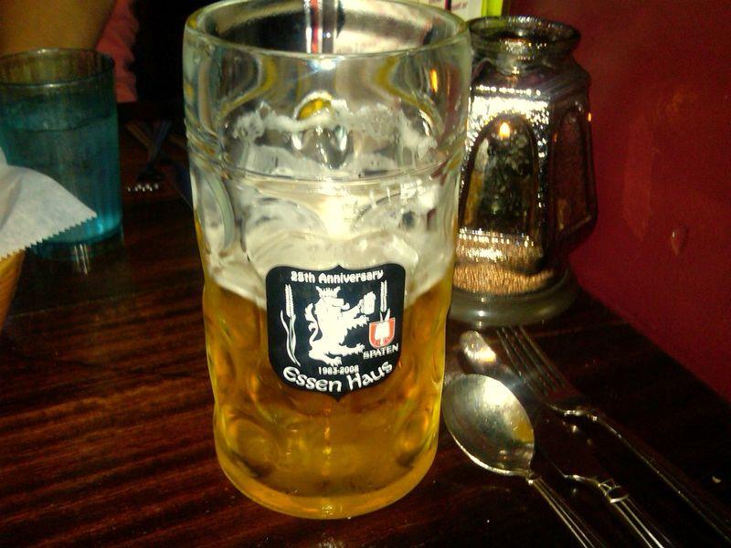 Essen haus liter o' beer