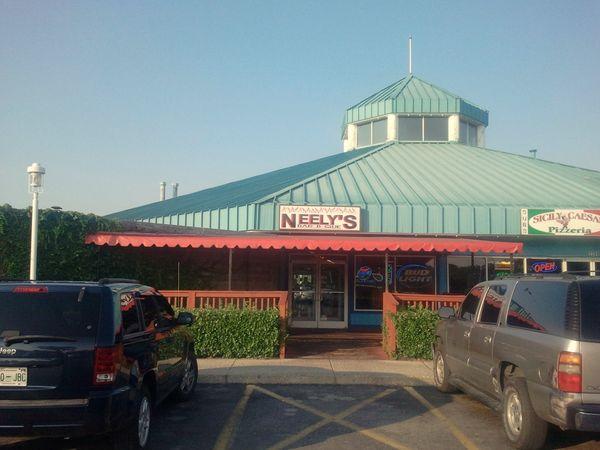 Road Tips Neely S Bar B Que Nashville Tn