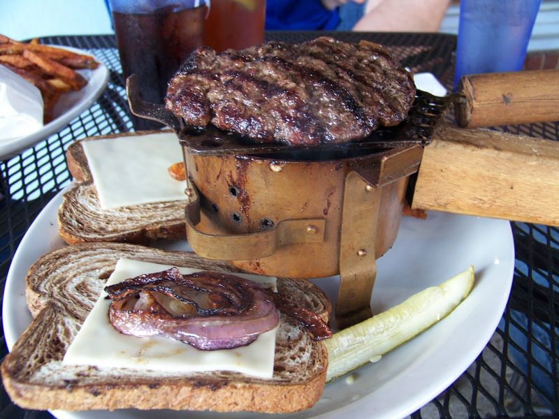 Smoke burger smoke pot