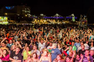 River Roots live crowd