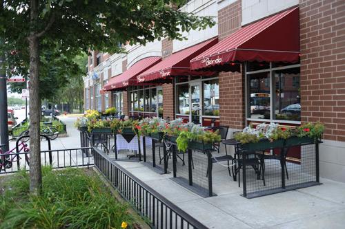 Cafe bionda front
