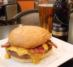 Angus Black Crown Burger