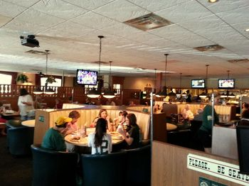 There S A Dining Area And Bar At Kroll West The Is Off To Left As You Walk In It Looks For Like Family Restaurant Than
