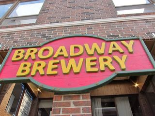 Broadway-Brewery-sign