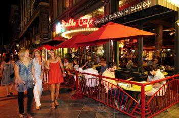 Rialto cafe outside
