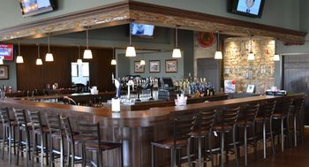 Graystone_ale_house_full_bar